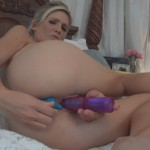 Jolene Devil fingering both her holes